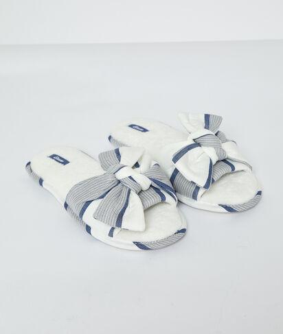 Zapatillas con lazada;${refinementColor}