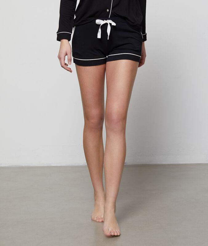 Pantalón corto de satén franjas contrastadas negro.