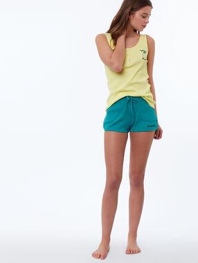 Pantalón corto suave relieve verde.