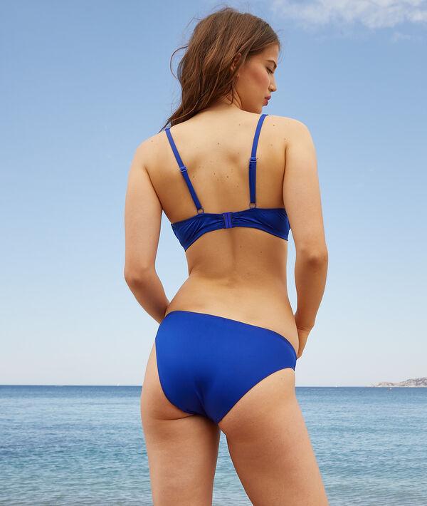 Sujetador bikini sin relleno. Copa D-E;${refinementColor}