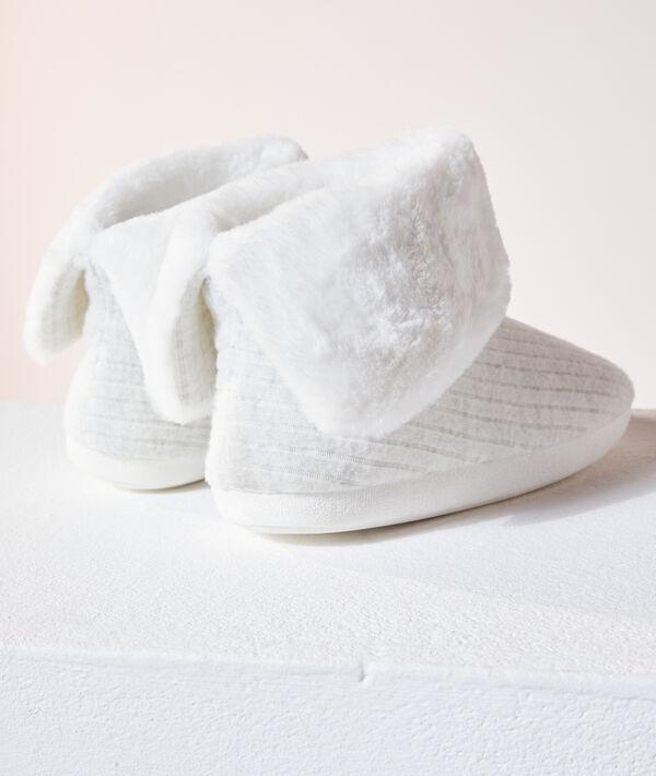 Zapatillas tipo botines forradas;${refinementColor}