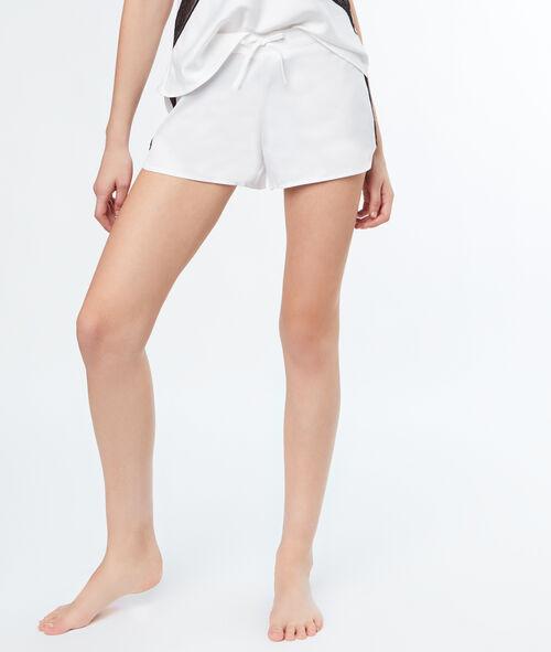 Pantalón corto satén motivos encaje