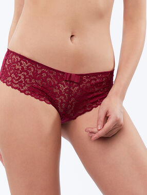 Shorty en dentelle prune.