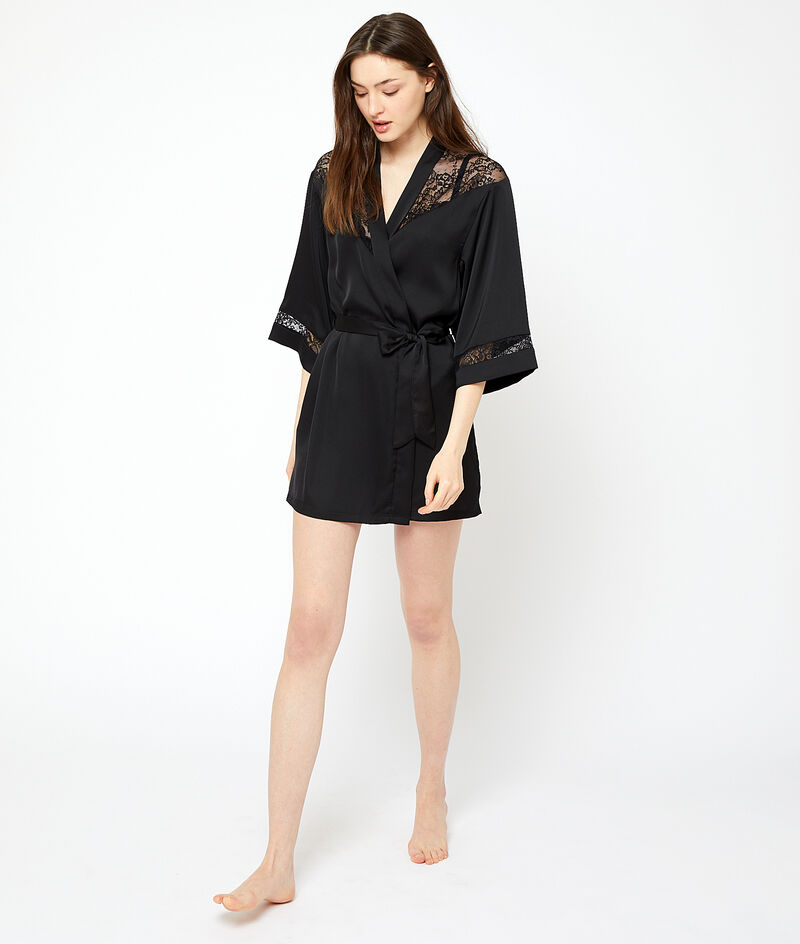 Kimono de satén y encaje;${refinementColor}