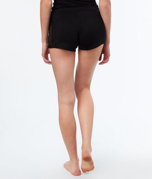 Pantalón corto motivos encaje