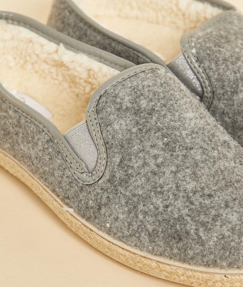 Zapatillas forro interior;${refinementColor}