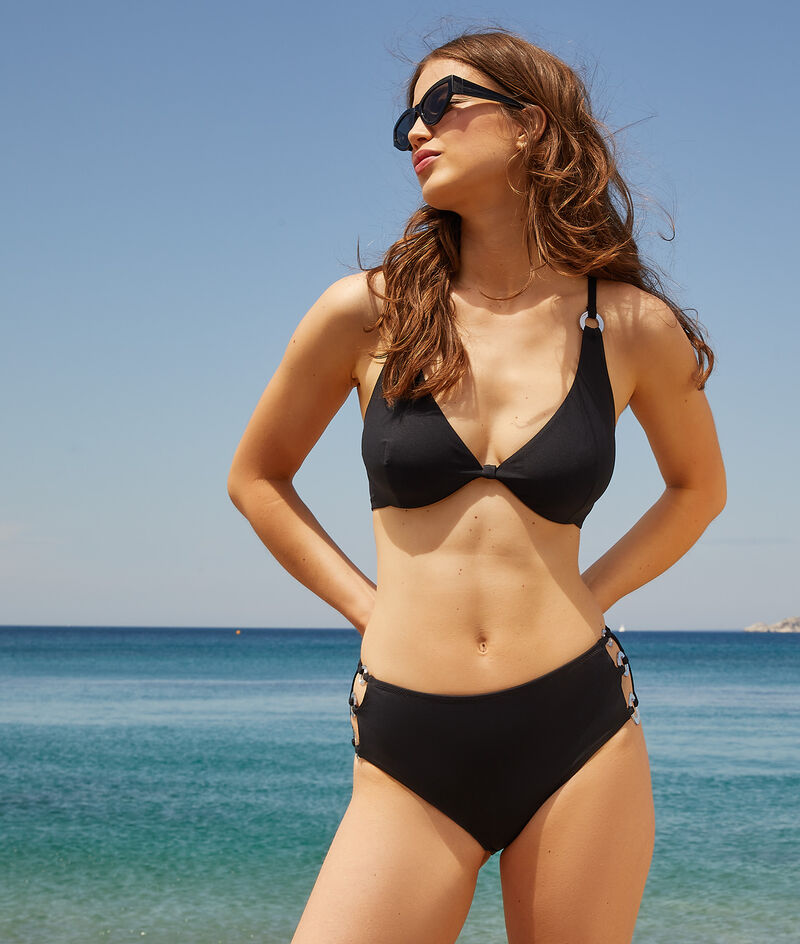 Sujetador bikini sin relleno. Copa C-D;${refinementColor}