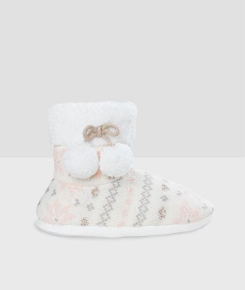 Zapatillas tipo botines pompones