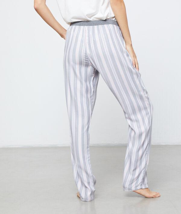 Pantalón largo de finas rayas