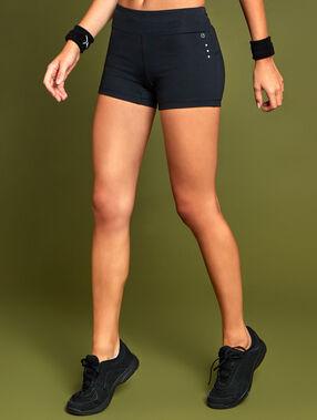 Pantalón corto deportivo negro.