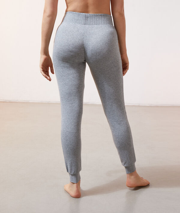 Pantalón tejido canalé;${refinementColor}