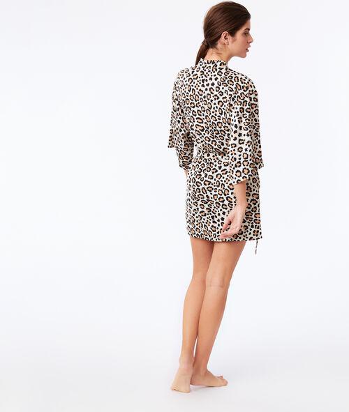 Bata tipo kimono estampado de leopardo