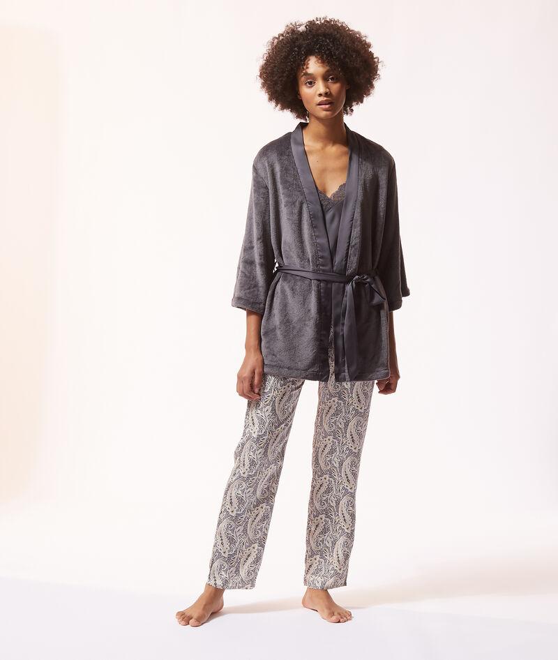 Pijama 3 piezas de satén, bata forro polar