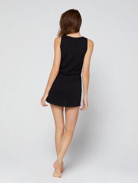 Vestido playero liso negro.
