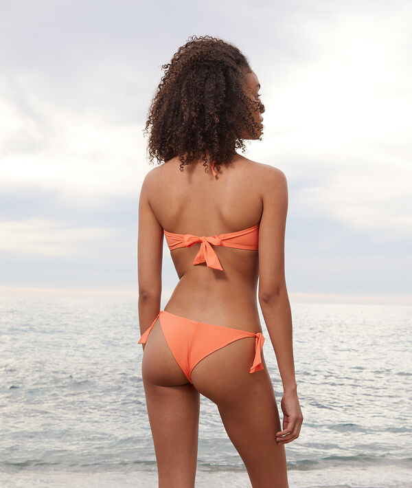 Top bikini recto sin aros;${refinementColor}