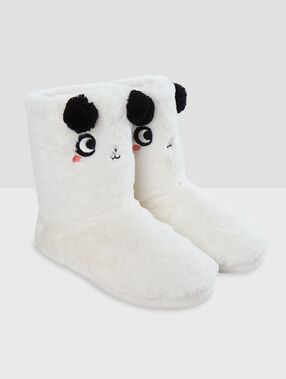 Zapatillas tipo botines con forro panda crudo.