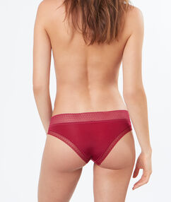 Braguita brasileña dos texturas rojo.
