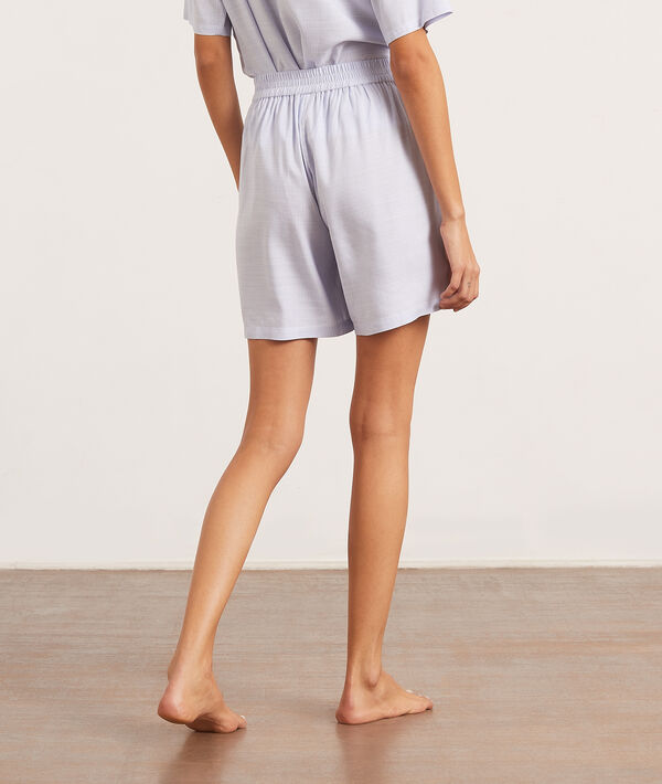 Pantalón corto liso;${refinementColor}