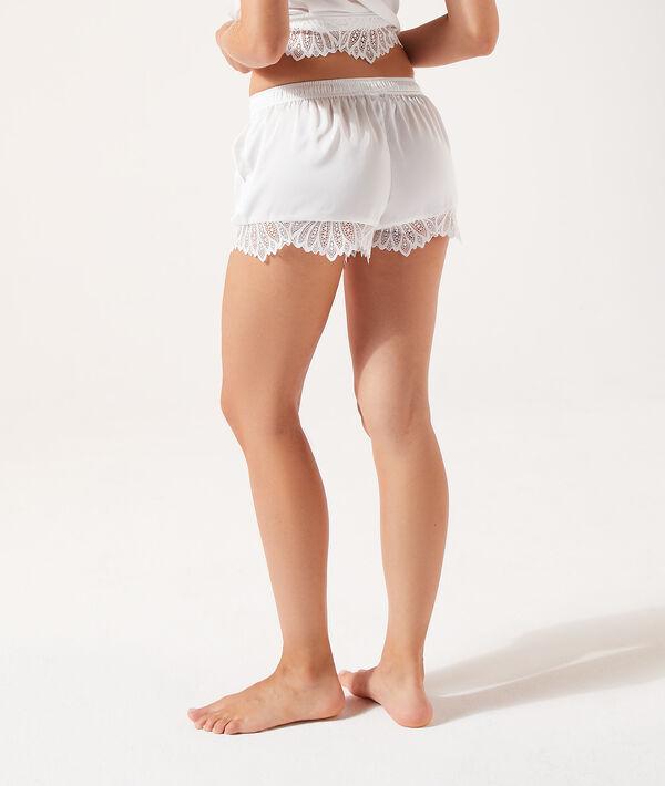 Pantalón corto de satén y encaje;${refinementColor}