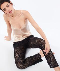 Pantalón largo encaje floral negro.