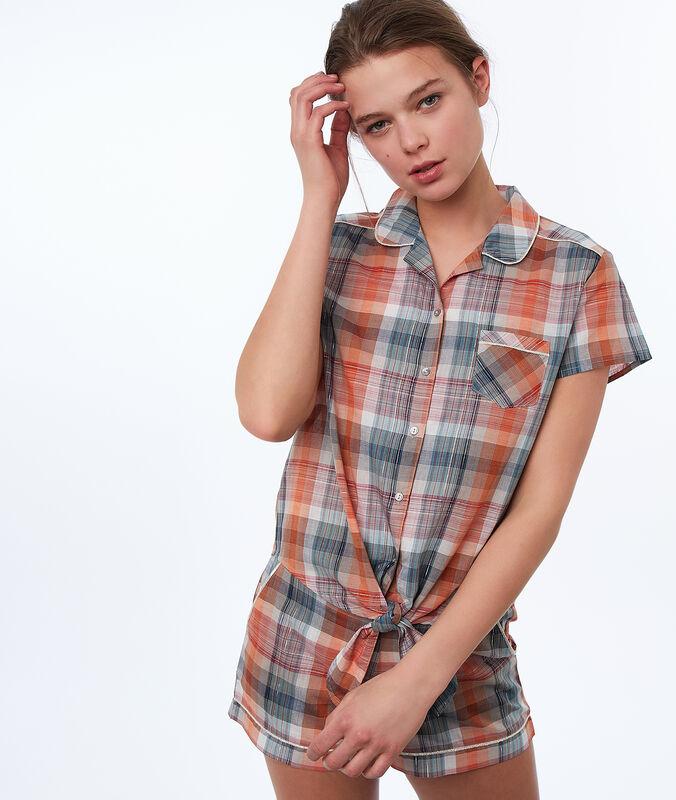 Camisa pijama estampado de cuadros naranja.