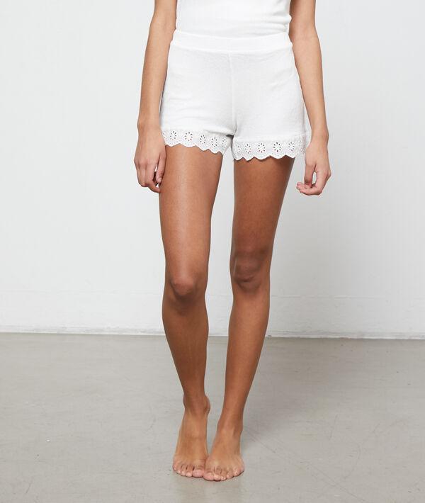 Pantalón corto con bordados;${refinementColor}
