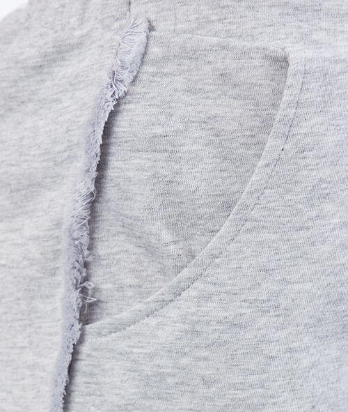 Pantalón corto flecos decorativos