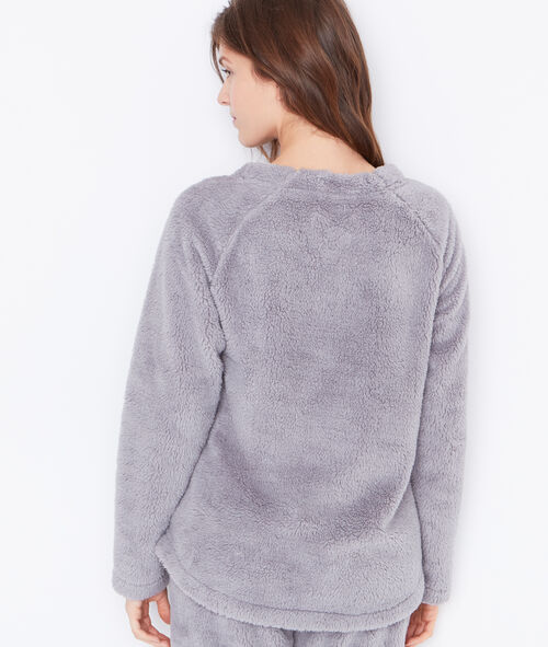 Pijama 2 piezas. Pantalón y camiseta tejido peluche