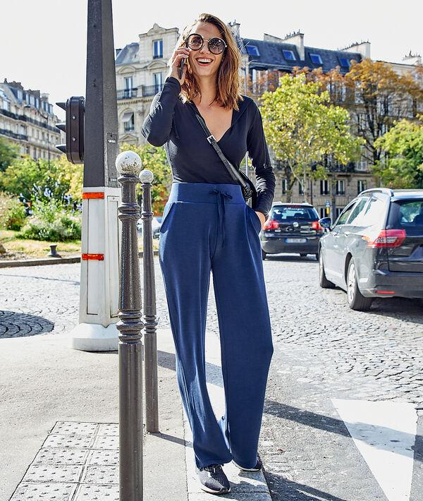 Pantalón ancho liso