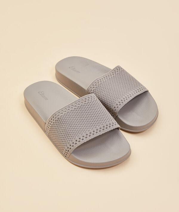 Zapatillas tipo chancla;${refinementColor}