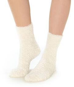 Calcetines lisos crudo.