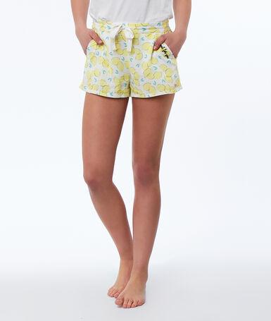 Pantalón corto estampado limones amarillo.