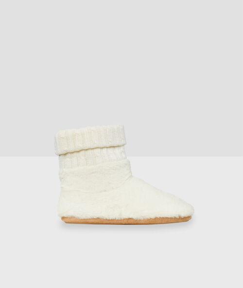 Zapatillas tipo botines detalle estrella
