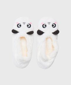 Chaussons panda blanc.