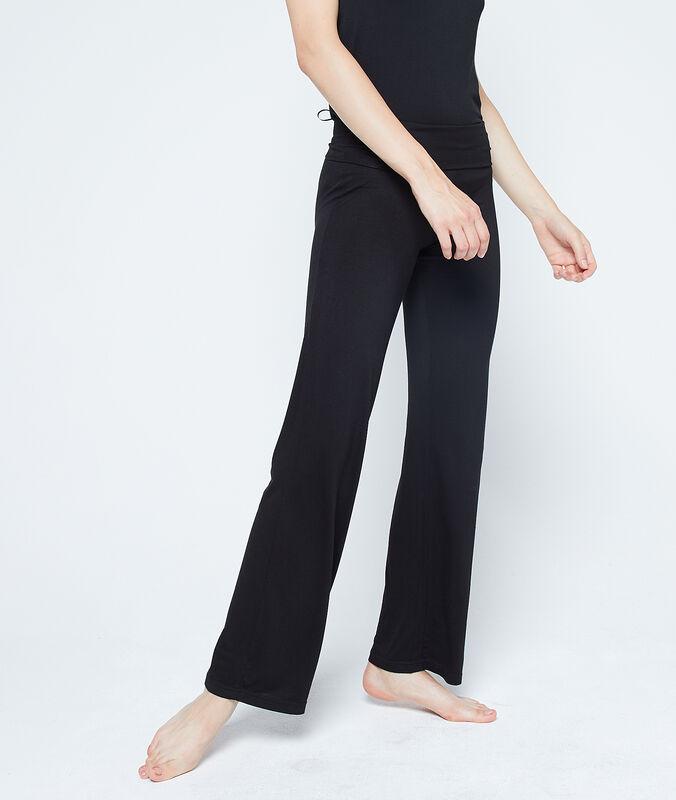 Pantalón largo de viscosa negro.