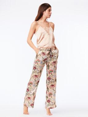 Pantalon large satiné rose.