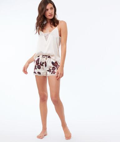 Pantalón corto satén estampado floral crudo.