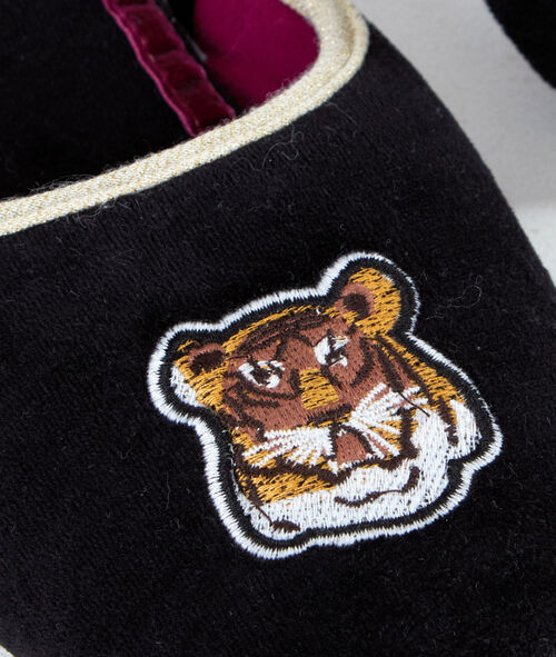 Zapatillas tigre bordado