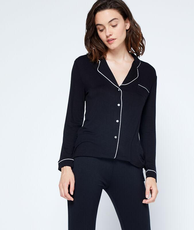 Camisa pijama de satén negro.