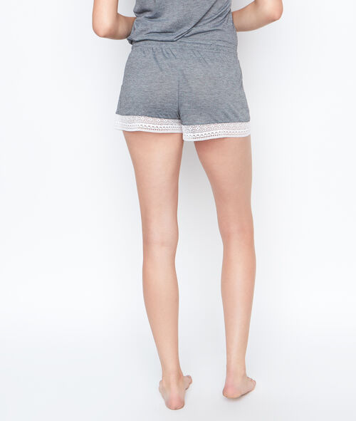Pantalón corto con motivos de encaje