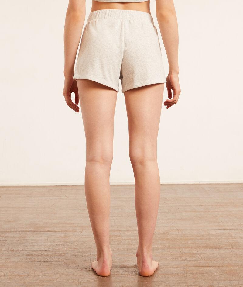 Pantalón corto;${refinementColor}