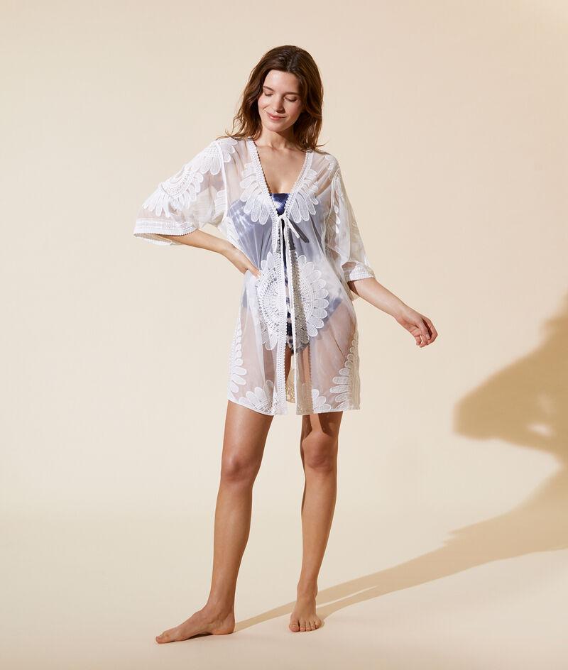 Kimono con bordados;${refinementColor}