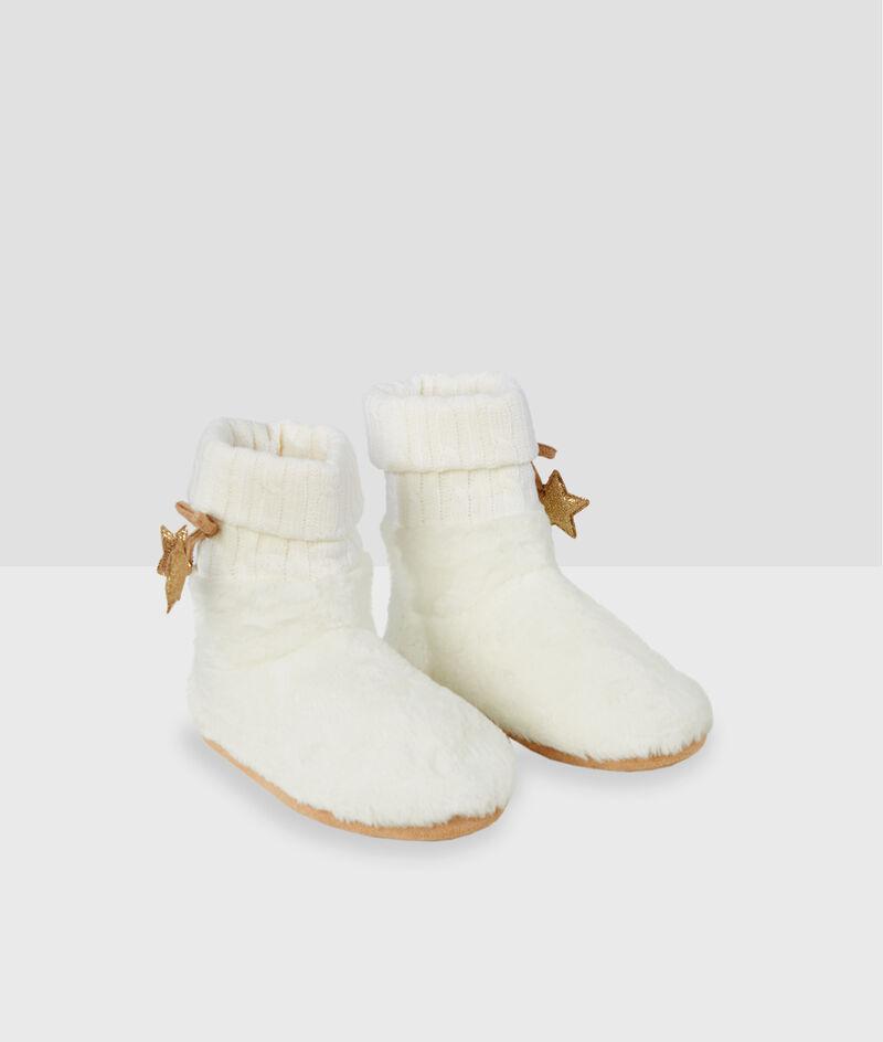 Zapatillas tipo botines detalle estrella;${refinementColor}
