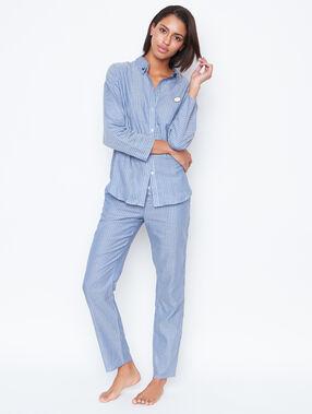 Camisa pijama estampado a rayas azul.