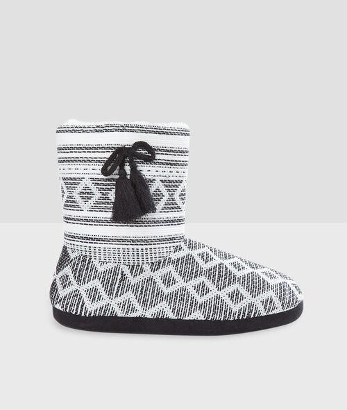 Zapatillas tipo botines con forro