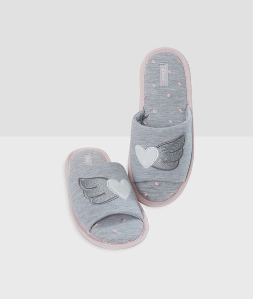 Zapatillas tipo chancla estampadas