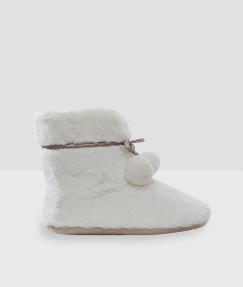 Zapatillas botín con pompones