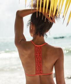 Sujetador bikini triangular motivos encaje coral.