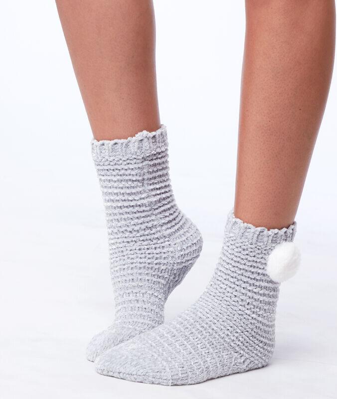Calcetines homewear con pompón decorativo c.gris.