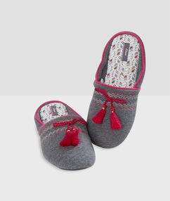 Zapatillas con pompones c.gris.